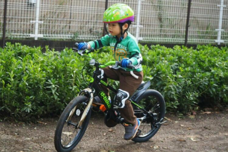キックバイクからのステップアップで自転車をスイスイマスター!/コウキくん4才